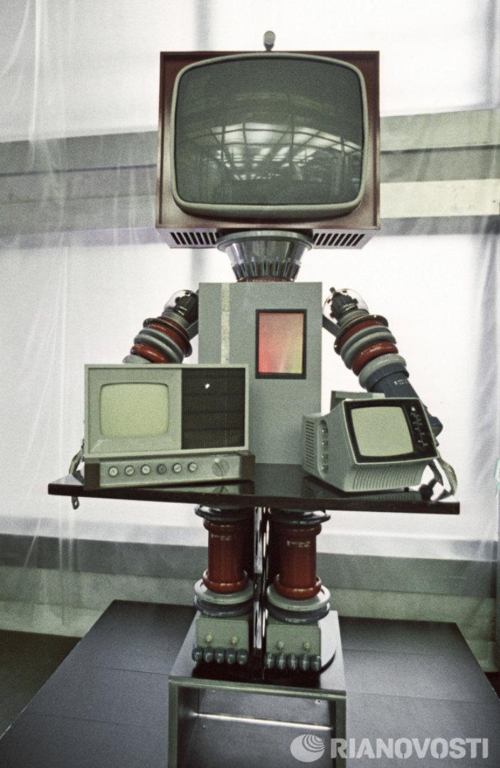 Рыцарь радиоэлектроники. Фото: Г. Копосов/РИА Новости