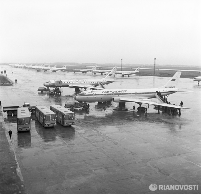 На летном поле новосибирского аэропорта Толмачево