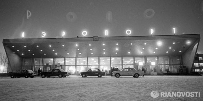 Здание аэропорта Толмачево в Новосибирске